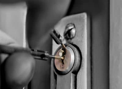 rsz_locksmith-400x292